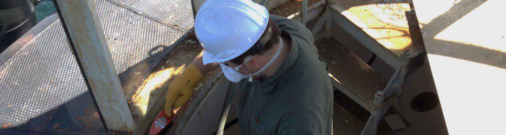 volunteer-working1-1024x273